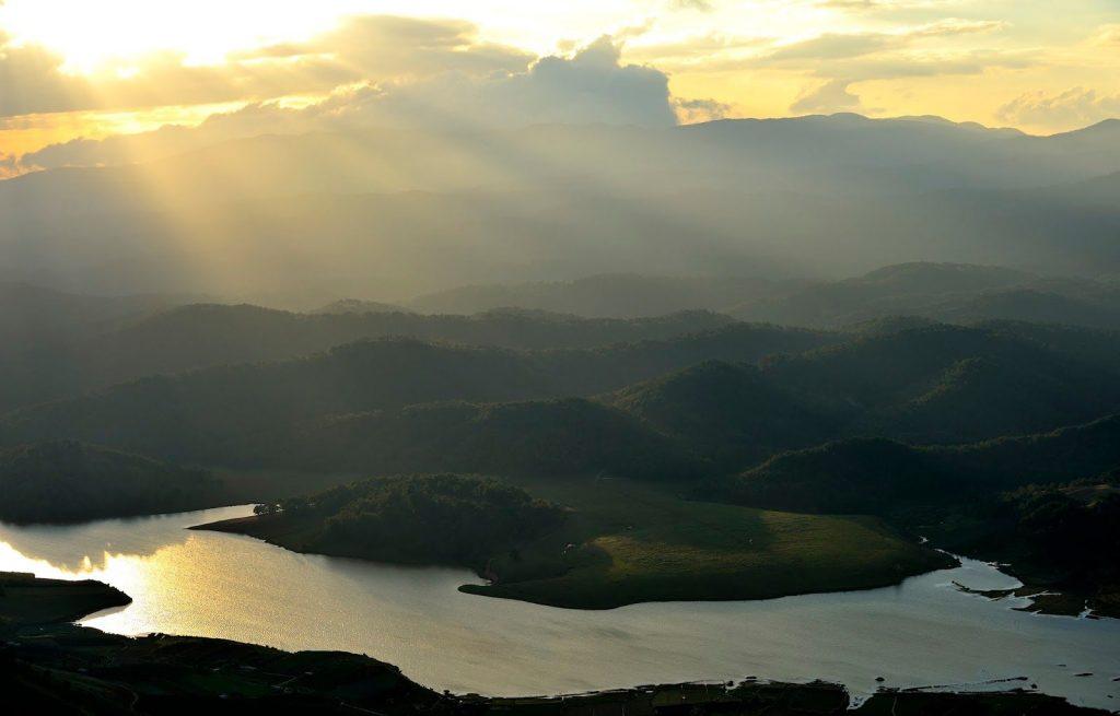 Đỉnh núi LangBiang cảnh đẹp khó quên - hinh 16