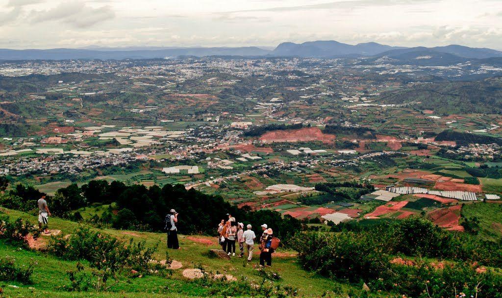Đỉnh núi LangBiang cảnh đẹp khó quên - hinh 17