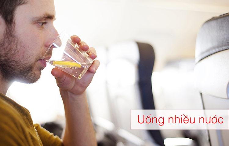 Kinh nghiệm chống say khi đi máy bay hiệu quả _ hinh 3