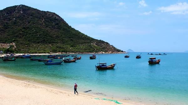 Du lịch Vịnh Ninh Vân thả hồn phiêu lãng với cảnh đẹp - hinh 1