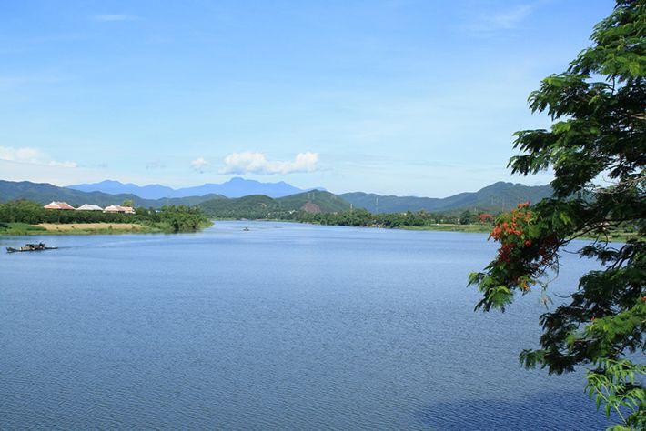Sông Hương vẻ đẹp nên thơ của Huế
