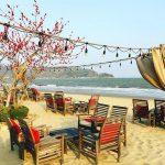 Surf BarLà quán bar bờ biển