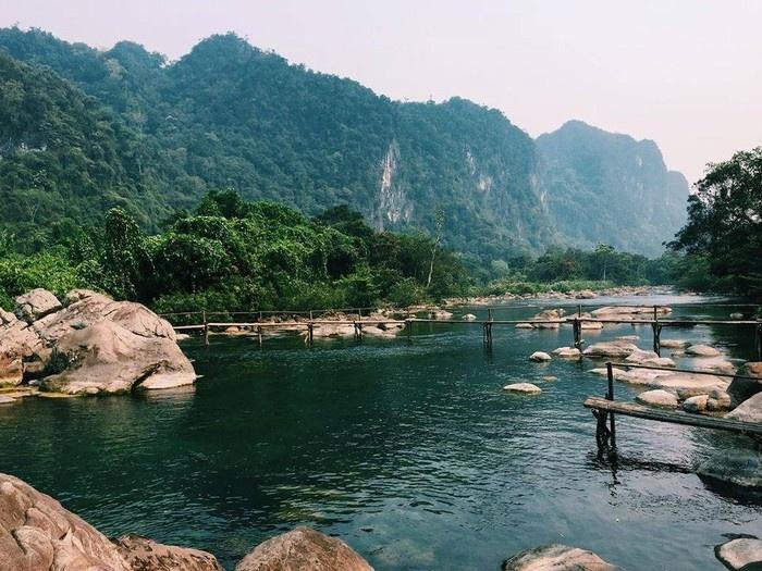 Suối Nước Moọc - Thiên đường đẹp như tranh vẽ ở Quảng Bình - hinh 14