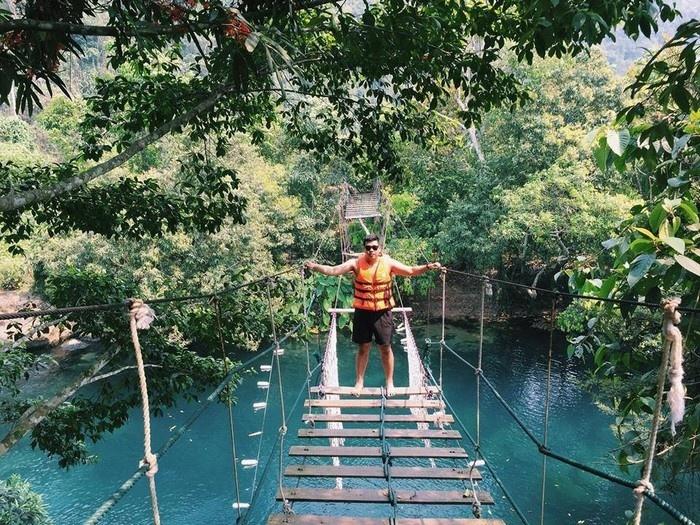 Suối Nước Moọc - Thiên đường đẹp như tranh vẽ ở Quảng Bình - hinh 9