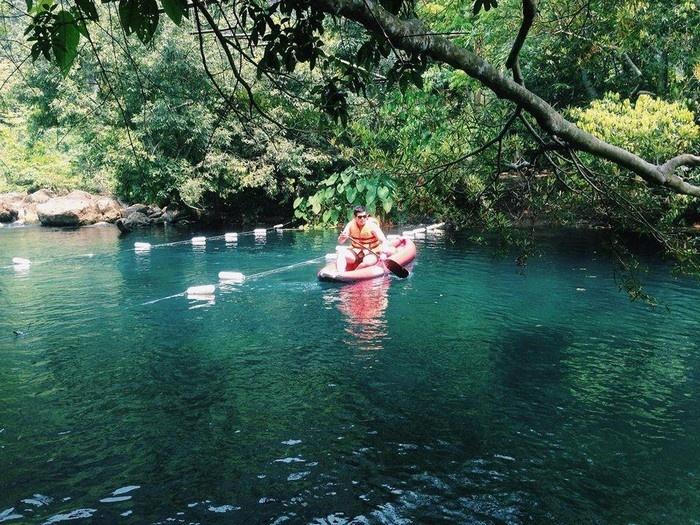 Suối Nước Moọc - Thiên đường đẹp như tranh vẽ ở Quảng Bình - hinh 10