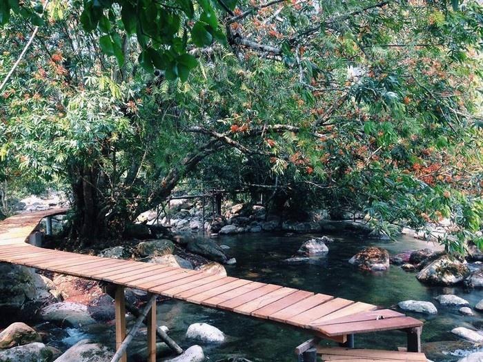 Suối Nước Moọc - Thiên đường đẹp như tranh vẽ ở Quảng Bình - hinh 12