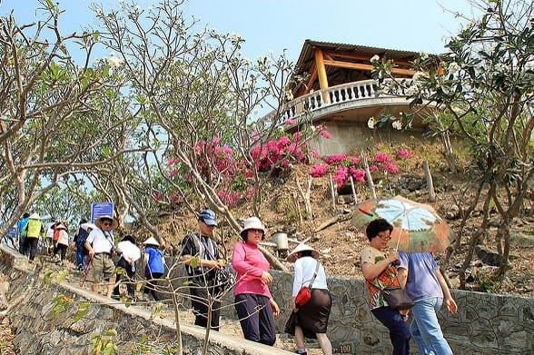 Khám phá 15 địa điểm cực đẹp ở Vũng Tàu - hinh 2