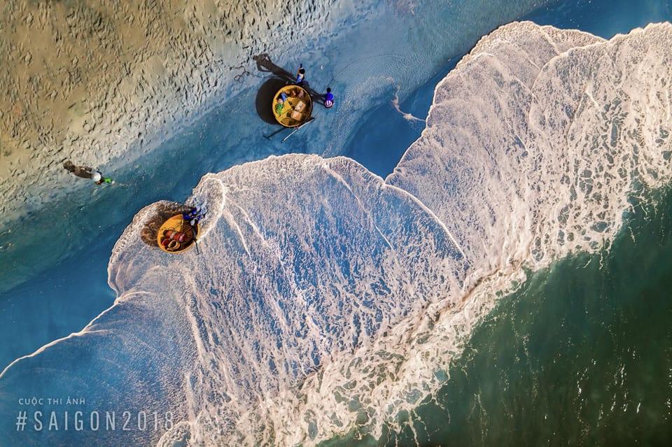 Khoảnh khắc bình dị của ngư dân trước biển cả - anh 1