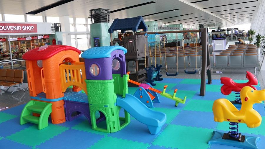 Phòng chăm sóc và khu vui chơi cho trẻ em ở Sân bay Nội Bài