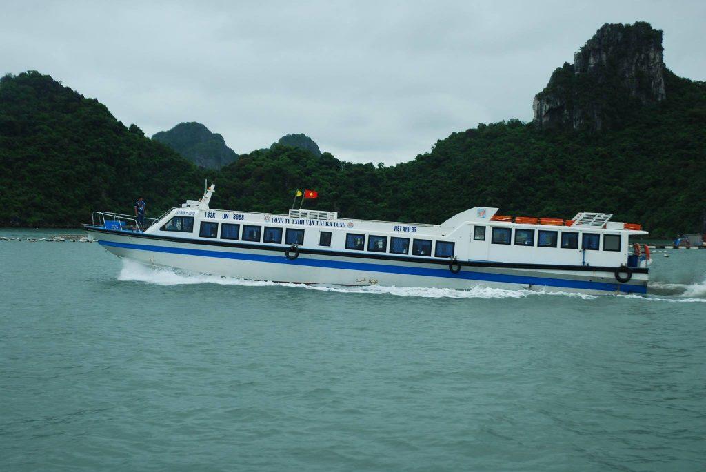 Tàu cao tốc ra đảo Quan Lạn - hinh 3